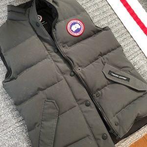 Canada Goose vest size XS